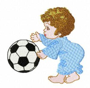 Garçonnet avec ballon